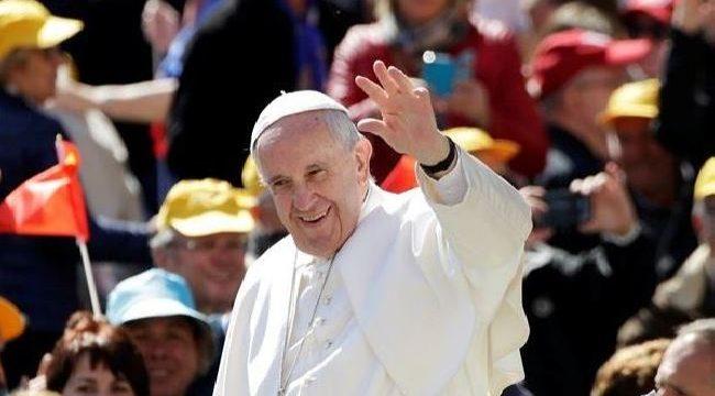 paus fransiskus angkat bicara soal donald trump