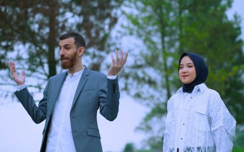 Download Lagu Nissa Sabyan Feat Adam Ali Al Barq Al Yamani Mp3